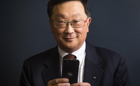 CEO John Chen quyết định gắn bó với BlackBerry thêm 5 năm