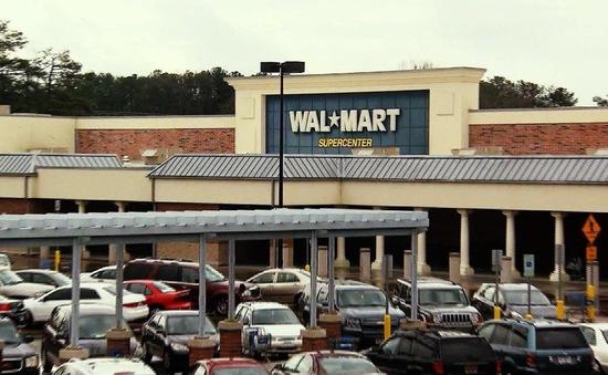 Walmart nâng độ tuổi được phép mua súng