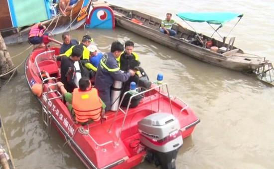 Công nhân bị rơi xuống sông tử vong ở Vĩnh Long