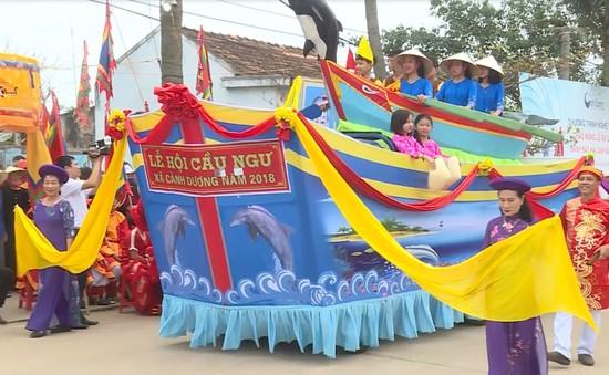 Quảng Bình: Lễ cầu ngư và ra quân đánh bắt hải sản