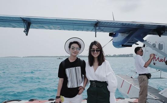 Bộ đôi MC Quỳnh Chi, Thùy Dung rủ nhau đến Maldives