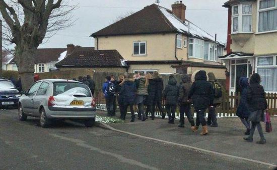 Hơn 400 trường học tại Anh bị đe dọa đánh bom