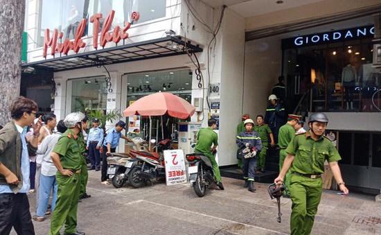 TP.HCM: Giải cứu nam thanh niên bị kẹt thang máy