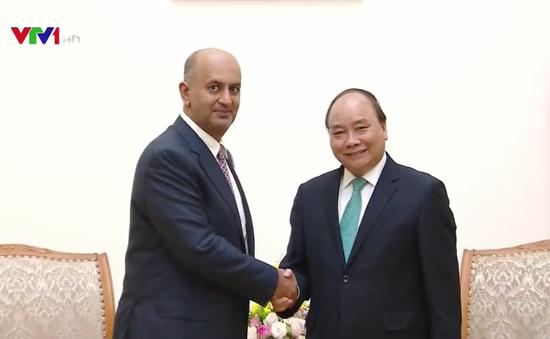 Thủ tướng tiếp Bộ trưởng Bộ Thương mại và Công nghiệp Oman