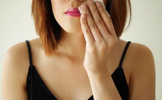 Khăn tẩy trang có thể hủy hoại làn da nếu bạn sử dụng sai cách