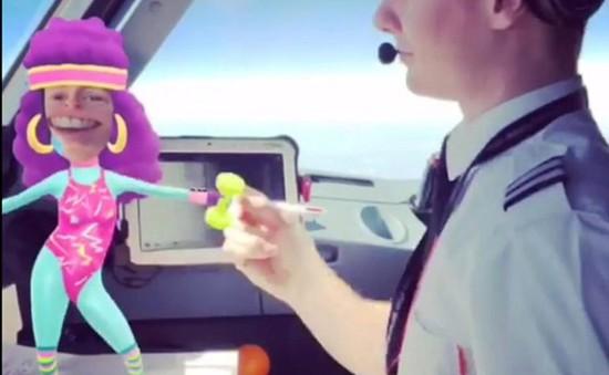 Anh: Đình chỉ phi công chơi game, chụp ảnh ở độ cao 9.000m