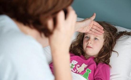 Sai lầm dễ gặp khi chăm trẻ viêm mũi họng cấp