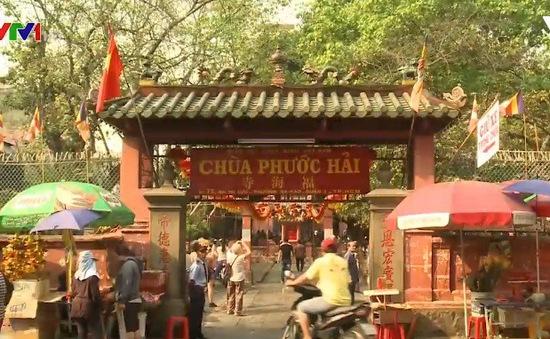 Nhiều ngôi chùa ở TP.HCM chủ động không đốt vàng mã