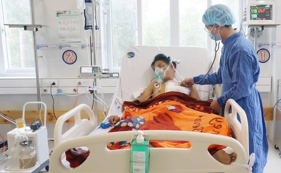 Cứu sống thanh niên mất hơn 4 lít máu