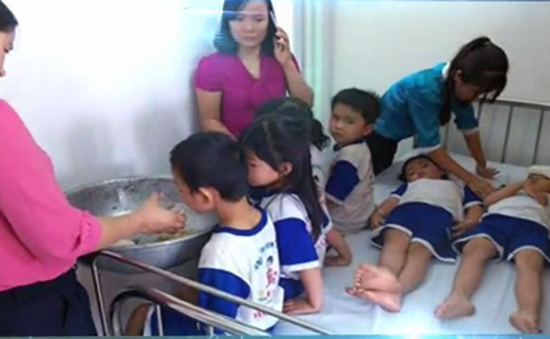 Đồng Nai tạm dừng đề án sữa học đường sau vụ hơn 70 học sinh ngộ độc