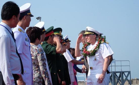 Lễ đón chính thức tàu sân bay Mỹ tại Đà Nẵng