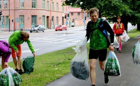 Vừa tập thể dục, vừa... nhặt rác - Xu hướng rèn luyện sức khỏe mới ở Thụy Điển
