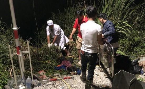 Điều tra, làm rõ trách nhiệm của chủ xe vụ tai nạn giao thông tại Đèo Lò Xo (Kon Tum)