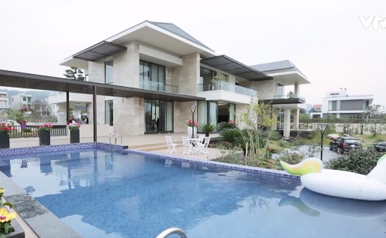 Chiêm ngưỡng ngôi nhà nhìn ra vịnh Hạ Long
