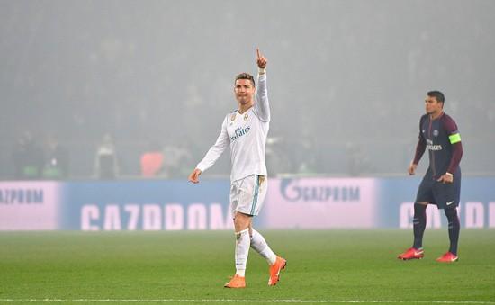 """Ronaldo cân bằng kỷ lục """"dội bom"""" liên tiếp tại Champions League"""