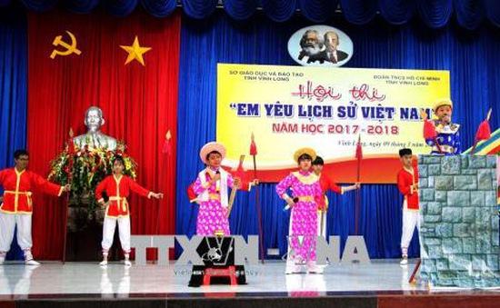Chú trọng công tác giáo dục lịch sử dân tộc và truyền thống yêu nước cho học sinh