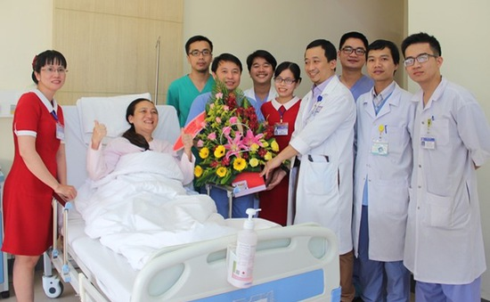 Nữ bệnh nhân ngoại quốc bị xuất huyết não khi đi du lịch