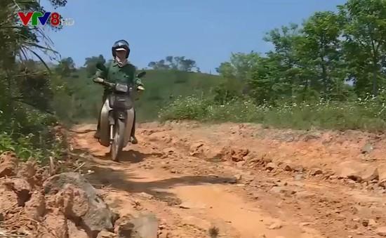 Khó khăn giao thông, người dân miền núi Quảng Trị chịu nhiều thiệt thòi