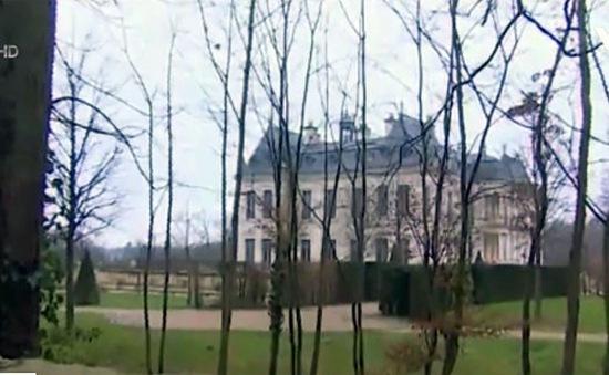 Khám phá tòa lâu đài ma 300 triệu USD ở Pháp