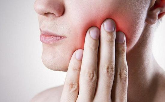 Dấu hiệu của bệnh ung thư khoang miệng