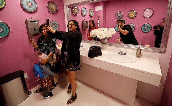 """Bảo tàng selfie đầu tiên trên thế giới dành cho tín đồ mê """"tự sướng"""""""