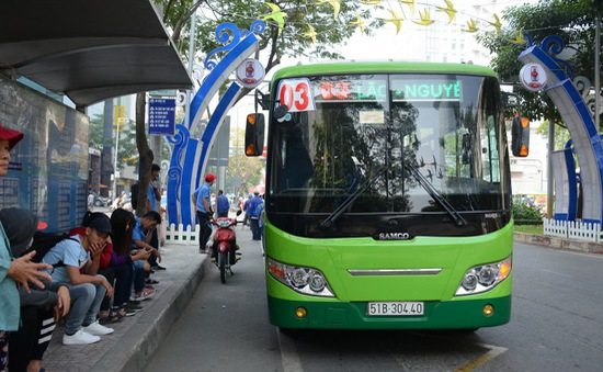 TP.HCM tăng cường 70 xe bus hỗ trợ khách tại các bến xe dịp 30/4 và 1/5