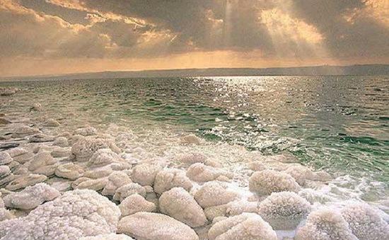 Công nghệ mới biến nước Biển Chết thành nước uống