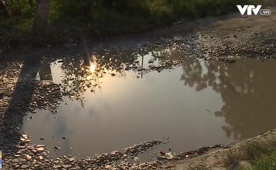Bình Dương: Không có hệ thống thoát nước, người dân xả thải ra đường gây ô nhiễm