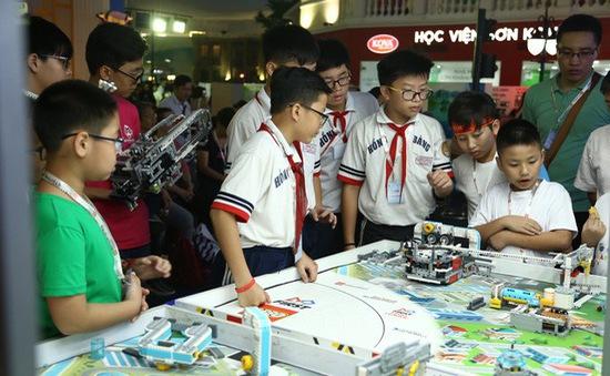 Lần đầu tiên Việt Nam tham gia cuộc thi robot Lego toàn cầu