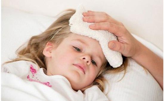 Có nên tự ý dùng thuốc hạ sốt điều trị bệnh cho trẻ?