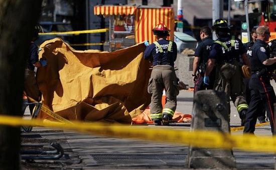 Hiện trường vụ đâm xe tải vào đám đông tại Canada qua ảnh