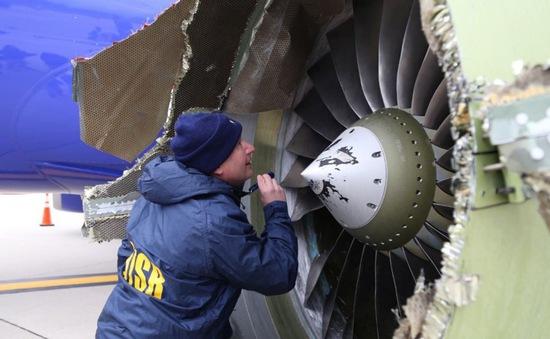 Southwest Airlines bồi thường 5.000 USD cho hành khách chuyến bay nổ động cơ
