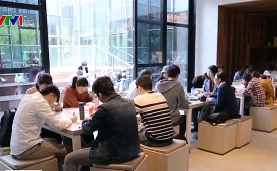 """Thú vị cuộc thi """"Marathon đọc sách"""" tại Thượng Hải (Trung Quốc)"""