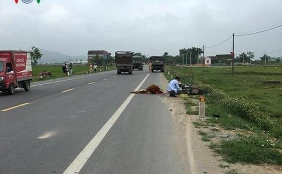 Hai người thương vong sau cú va chạm kinh hoàng giữa xe máy và ô tô
