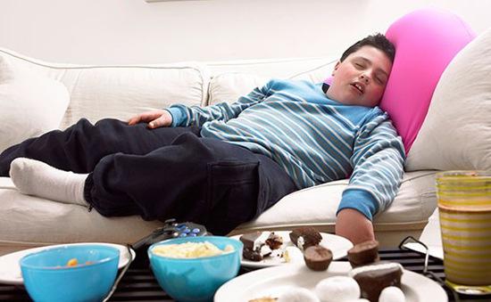 Trẻ béo phì có thể mắc bệnh ung thư thận và tuyến giáp