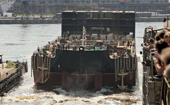 Nhà máy điện hạt nhân nổi của Nga ra khơi