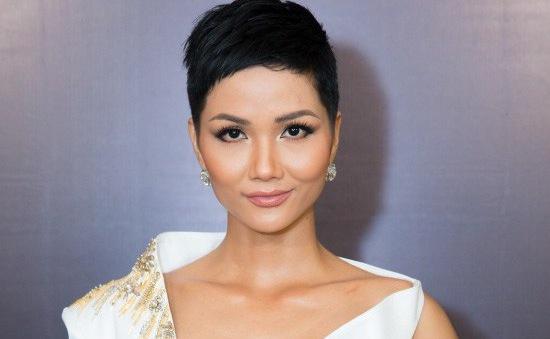 Hoa hậu H'Hen Niê thay đổi kiểu tóc sẵn sàng chinh chiến tại đấu trường Miss Universe 2018
