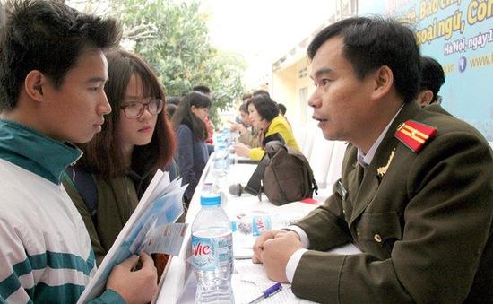 Nhiều trường quân đội bổ sung thêm tổ hợp xét tuyển Toán-Lý-Anh
