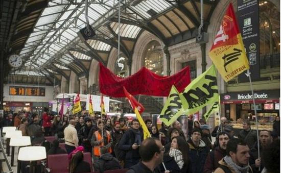 """Nước Pháp đối mặt với cuộc đình công """"Thứ Ba đen"""""""