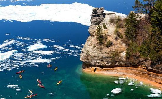 15 hồ có vẻ đẹp hút hồn nhất thế giới