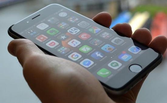 Apple Vietnam LLC cam kết triển khai chương trình giảm giá dịch vụ thay thế pin hết hạn bảo hành