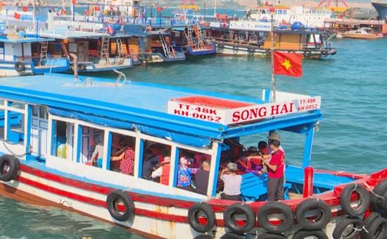 Khánh Hòa: Nhiều phương tiện đường thủy không đạt chuẩn vẫn vô tư chở khách trên biển