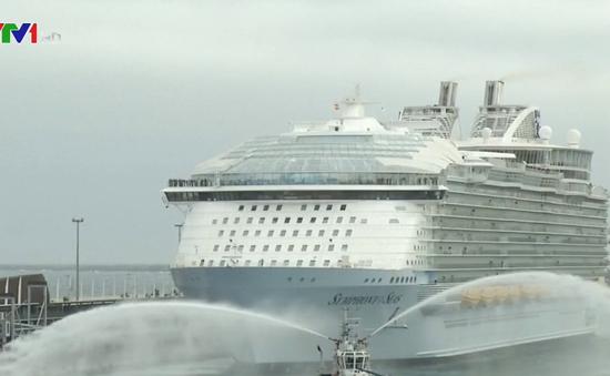 Du thuyền lớn nhất thế giới chính thức khởi hành
