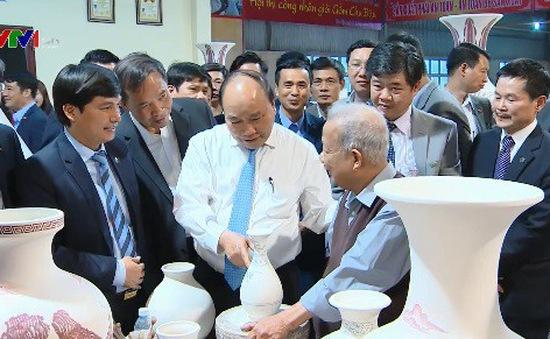 Thủ tướng kêu gọi người tiêu dùng sử dụng những sản phẩm tinh hoa văn hóa Việt