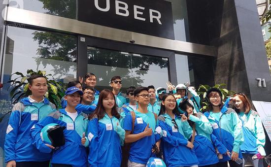 Diễu hành trong ngày Uber chính thức ngừng hoạt động tại Việt Nam