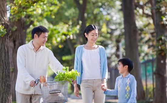 Xu hướng giảm chi tiêu hộ gia đình tại Nhật Bản