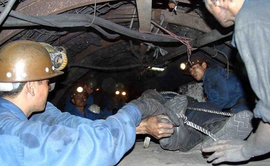Sập hầm mỏ ở Quảng Ninh, 2 người thương vong