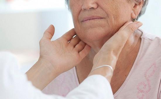 Triệu chứng cảnh báo ung thư đầu - mặt - cổ
