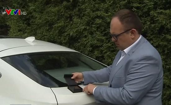 Ba Lan: Chế tạo thiết bị chặn tín hiệu tần số của chìa khóa xe ô tô