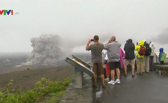 Liên tiếp xảy ra thảm họa núi lửa phun trào